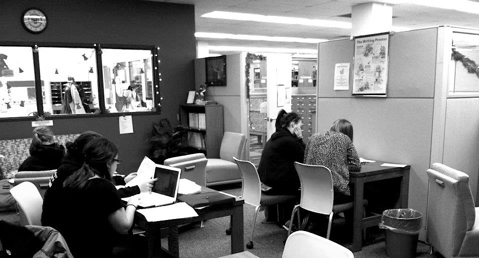 Students working in the Writing Studio. Photo Courtesy / Kelly Dildine