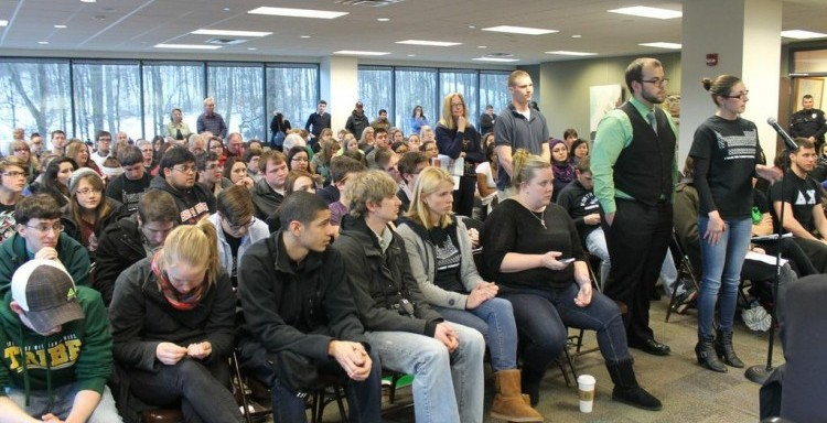 Over one hundred students attended the Council of Trustees meeting last Thursday. Photo Credit / Valentina Caval