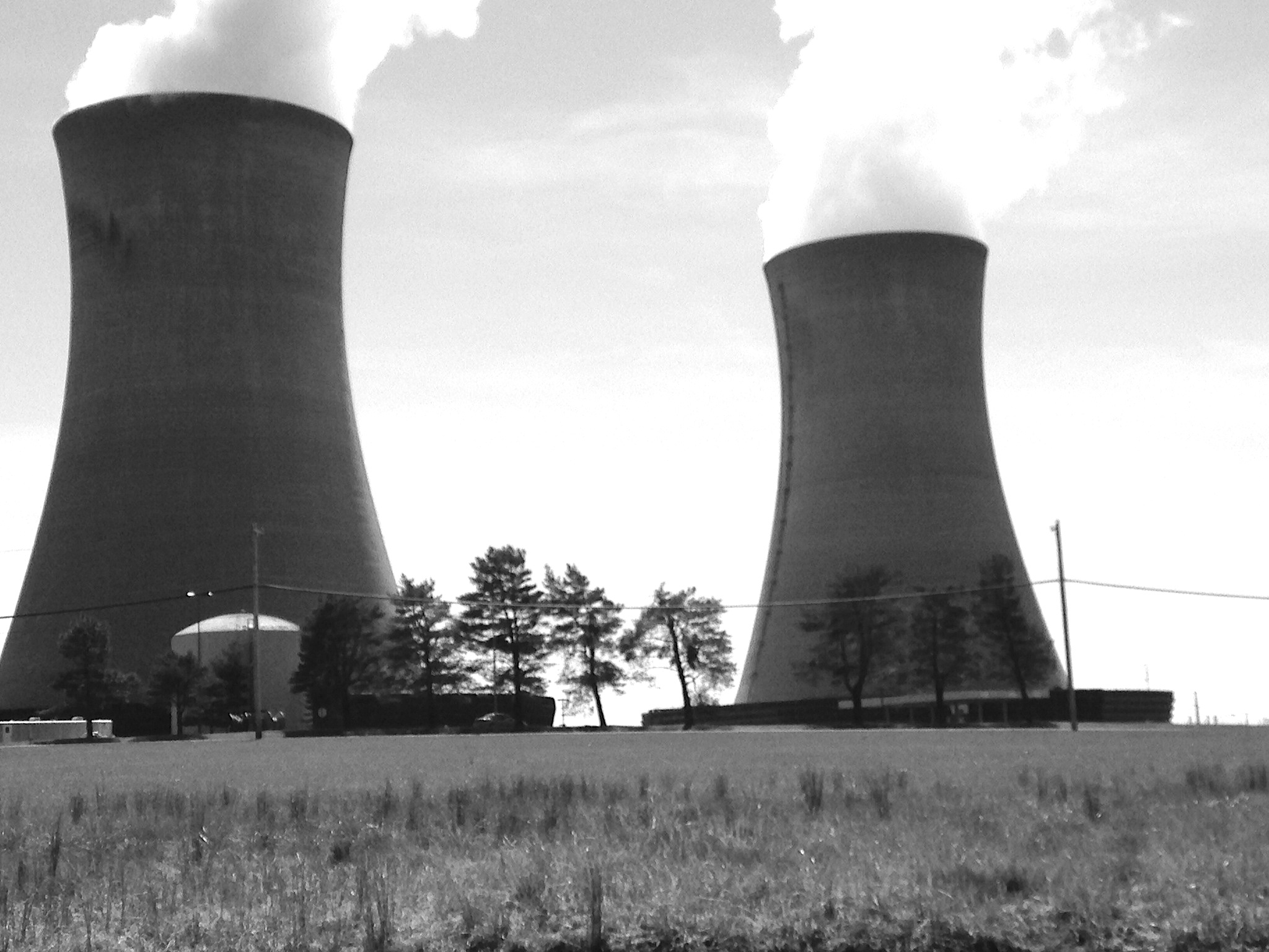 nuclear energy should we use it Another reason we should use more nuclear energy is that it is a cheaper source of energy than gasoline, a fuel source that has been troubling our economy for many years.