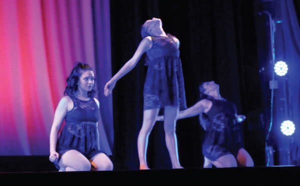 ESU's Dance Company at Friday night's performance. Photo Credit / Amy Lukac