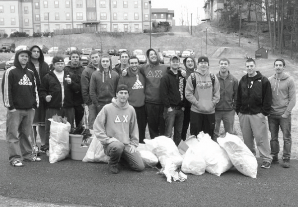Delta Chi at a previous clean up earlier this year. Photo Courtesy / Delta Chi