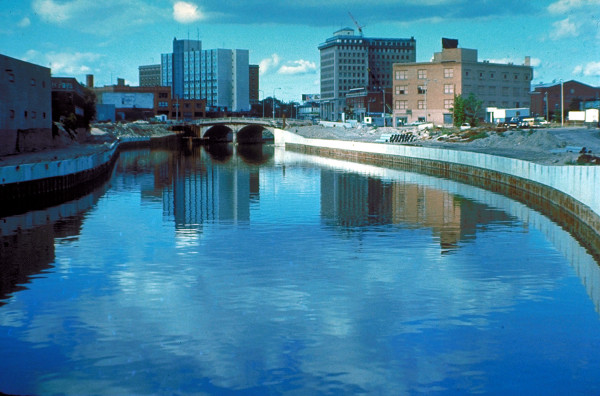 Many Flint residents live below the poverty line. Photo Credit / Wiki
