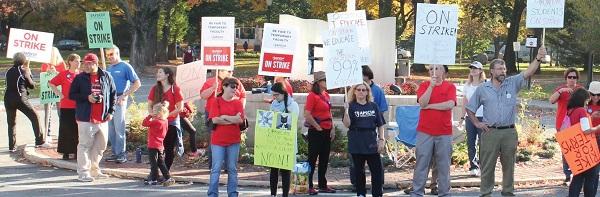 ESU Faculty Strike Day One. Photo Credit / Kathleen Kraemer