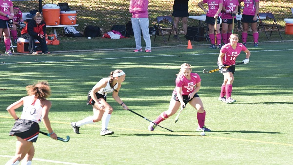 #20 Desiraye Mack in action on Think Pink Day. Photo Credit / Ronald Hanaki