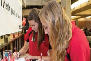 Students give thank yous for funds. Photo Courtesy / ESU Foundation