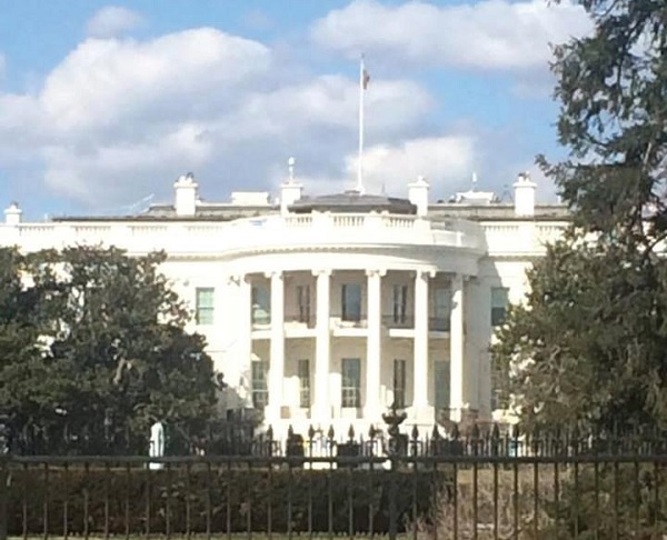 Students had time to see many sights, including the White House. Photo Credit / Kristen Flannigan
